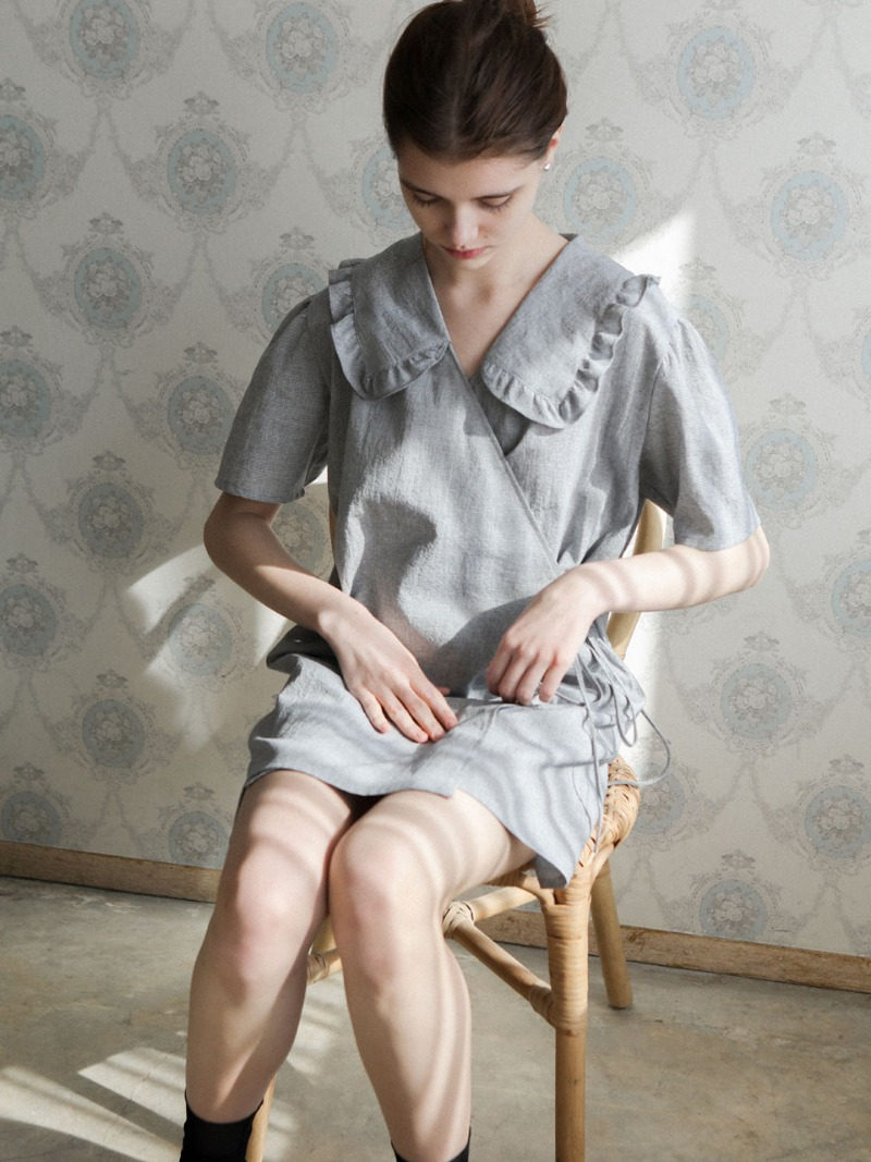 4.22 RUFFLE WRAP DRESS_GREY